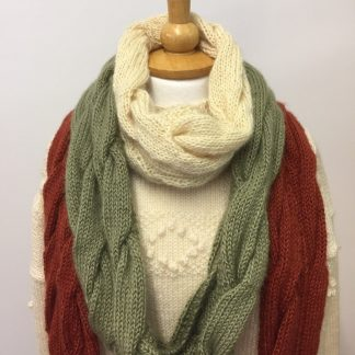 Wensleydale Cable Cowl Collar