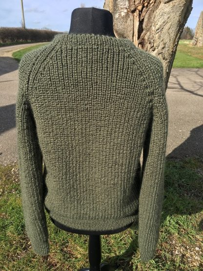 Michael - Fishermans Rib Jumper Spruce - back