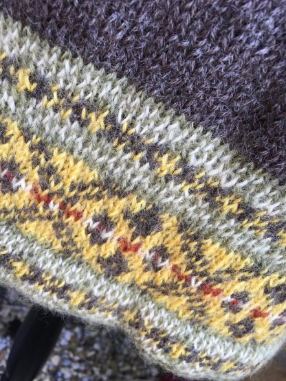 Cracking the Flags jumper - Natural Black detail