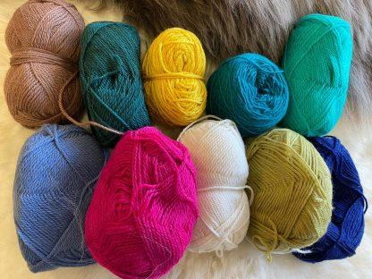 Scrappy Bags of assorted DK wool 1