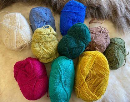 Scrappy Bags of assorted DK wool 2